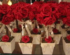Topiara r�stica de rosas vermelhas VII