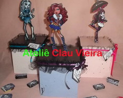 LEMBRAN�AS COM TULE MONSTER HIGH