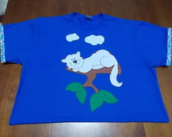 Camiseta Customizada Gato na �rvore