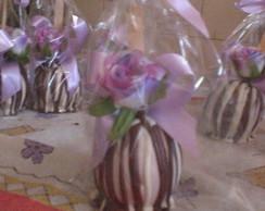 Ma�� do amor com chocolate e arranjo