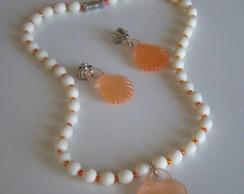 Conjunto marfim com cora��o laranja