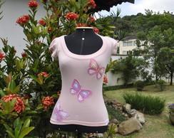 Camiseta com borboletas