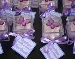 Caixa borboleta com  mini sabonete flor