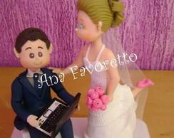 Topo de bolo noivos fofinhos