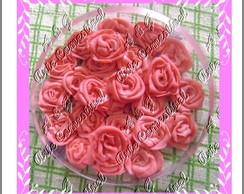 Rosas modeladas de leite ninho