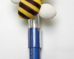 Ponteira com l�pis abelha em biscuit