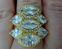 Anel dourado de Zirc�nias