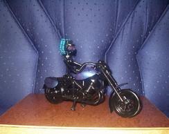 Escultura Sucata Moto Piloto