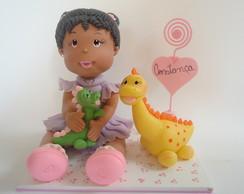 Menina Morena com Dinossauros