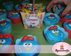 Cupcake modelado Galinha Pintadinha