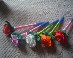 Lembrancinhas canetas decoradas c/rosas