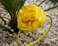 Tiara flor grande amarela ver�o