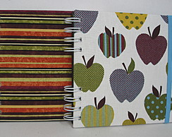 Caderno Quadrado - Stripes and Apple