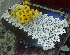 Caminho de mesa em croch�.
