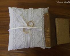 Porta alian�as feito com cotton