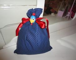 Sacolinha de tecido com fecho em biscuit