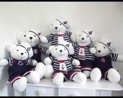 Ursos Marinheiros.
