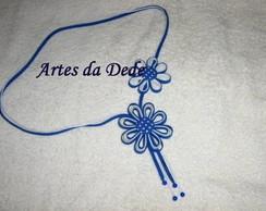 Cord�o com flores azul e branco de vi�is