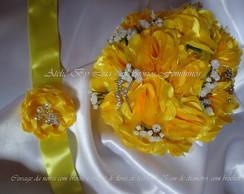 Buqu� de Flores de Tecido Amarelo