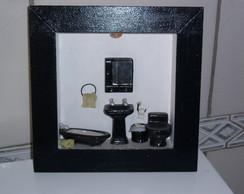 Quadro vitrine banheiro miniatura