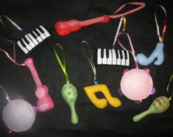 Instrumentos m�sicais em feltro