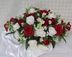 Centro de mesa oval de rosas