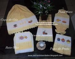 Kit de cozinha bordado em ponto de cruz