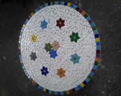 Mesa com tampo em mosaico flores