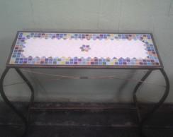 Aparadores em ferro e mosaico
