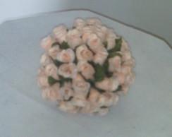 Bola de mini rosa na cor bege