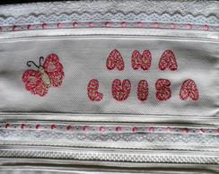Toalha de Lavabo com Borboleta em Patch