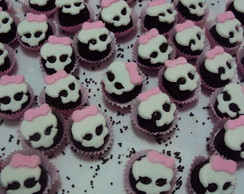 Brigadeiro com decora��o Monster High
