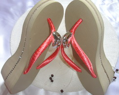 Chinelo high com Strass na Lateral