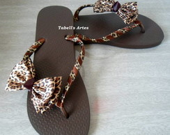 Chinelo decorado on�a