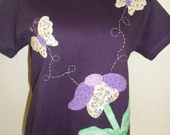 Camiseta - Borboletas e flor