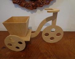 Triciclo com cesta em mdf