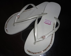 Havaianas customizada(strass e piercing)