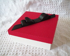 Caixa Vermelha bolinhas