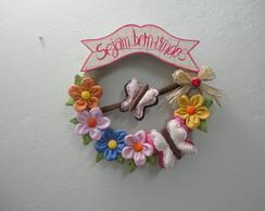 Guirlanda Pequena de Flores e Borboletas