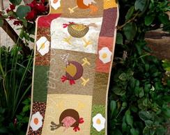 Trilho ou caminho de mesa de galinhas