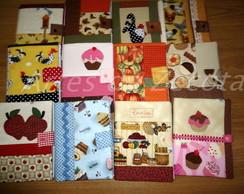 Caderno de receitas com capa de patchwork