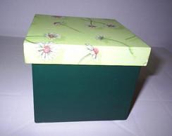 Caixa utilit�ria com margaridas