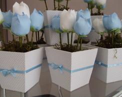 Cachep� com tulipas