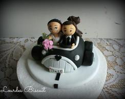 Topo de Bolo - Noivos no Carro