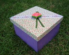Caixa patchwork e flor ***LIQUIDA��O***