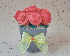 Vaso de mini rosas