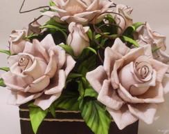 Arranjo de rosas tabaco