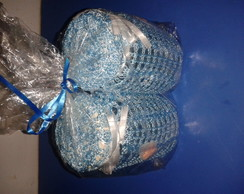 potes de vidros em croch� azul