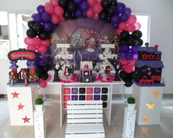 Mesa Proven�al da Monster High