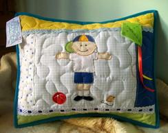 almofada em patchwork menino